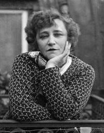 https://commons.wikimedia.org/wiki/File:Colette_1932_%282%29.jpg Public domain. Wikimedia Commons ©