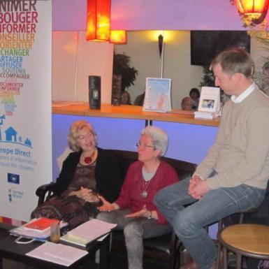avec Simone Taillefer, traductrice de grec moderne, et Simon de Charentenay, Président de la Maison de l'Europe à Montpellier.