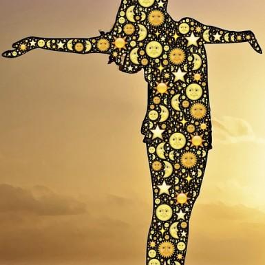 https://pixabay.com/fr/c%C3%A9l%C3%A9brer-c%C3%A9leste-soleil-lune-954787/ CC0 Public Domain ©