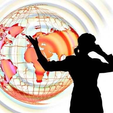 https://pixabay.com/fr/sp%C3%A9cialiste-femme-femelle-globe-454872/ CC0 Public Domain ©
